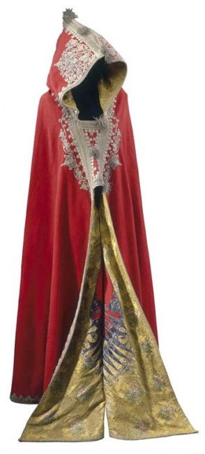 Napoleon's Egyptian-style cloak or burnous, early-19th century, taken from his carriage after the Battle of Waterloo  The Royal Collection © 2005, Her Majesty Queen Elizabeth II