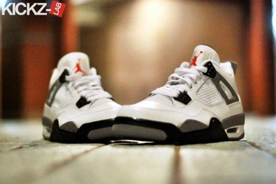 Air Jordan 4. White Cement