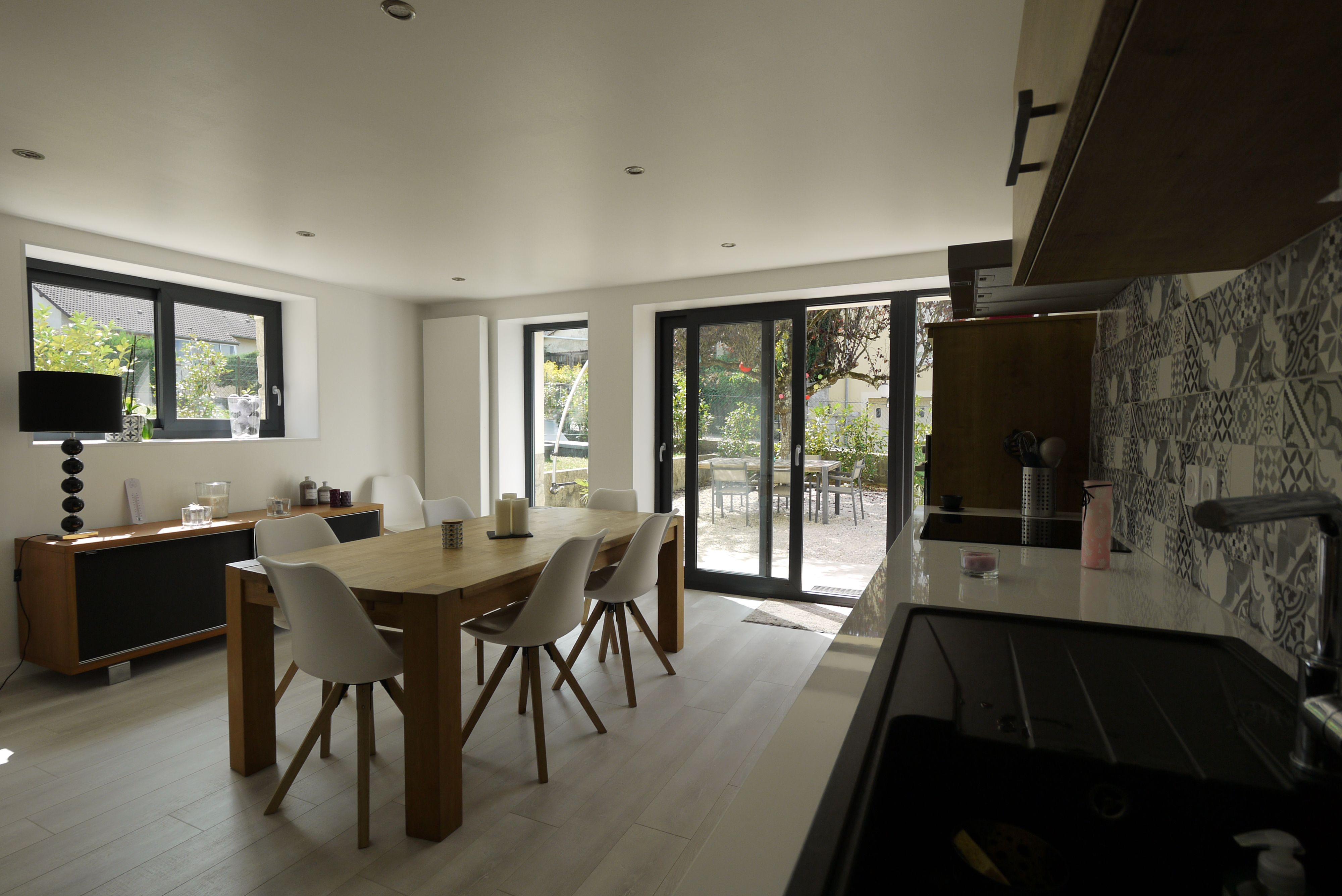 Exclusivité, Lons Le Saunier Intra  Muros, Maison Individuelle Entièrement  Rénovée, 5 Chambres