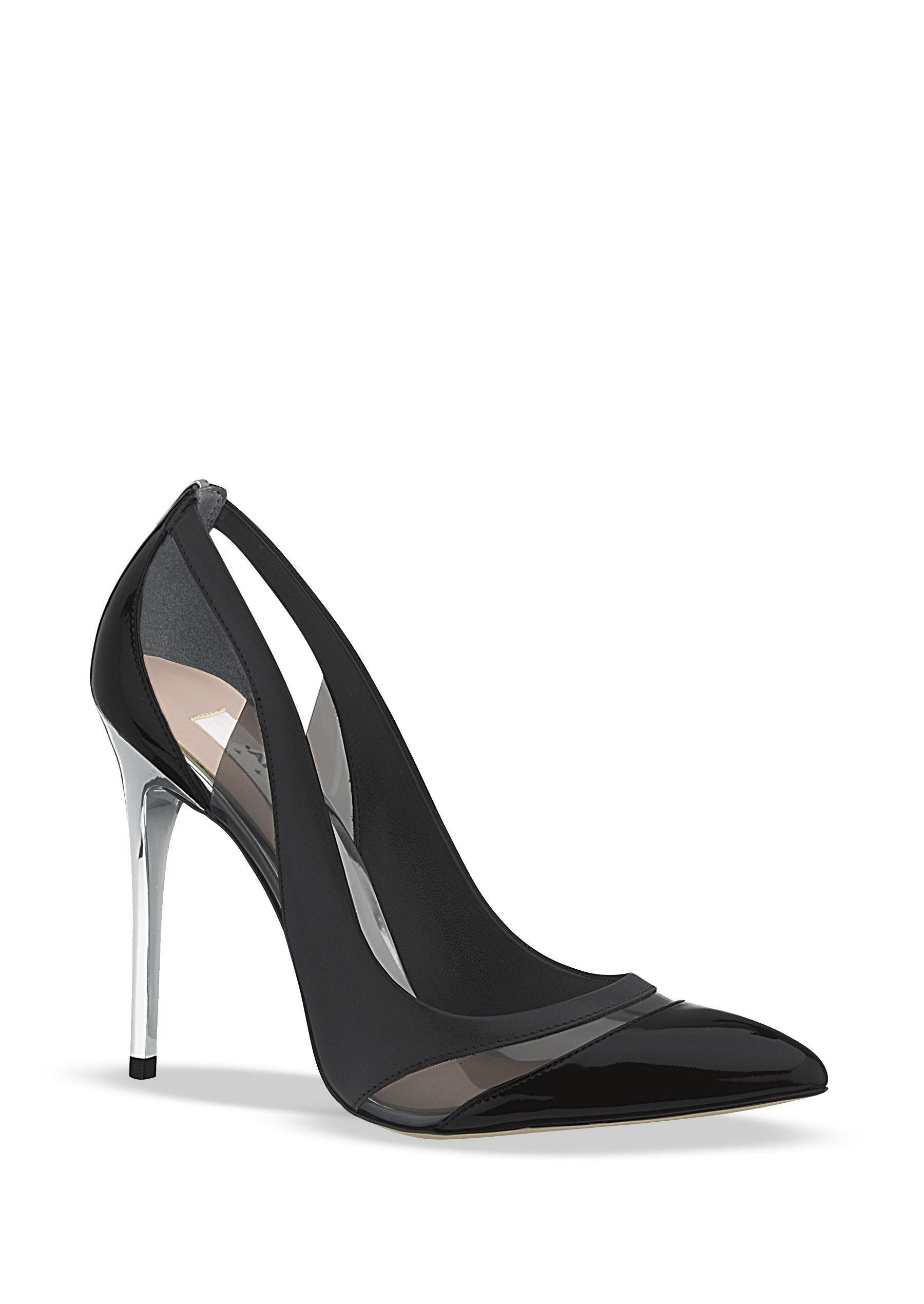 18.629   68.10 Zapato semicerrado con punta pronunciada y detalle de la  mica en corte d96196469fd3