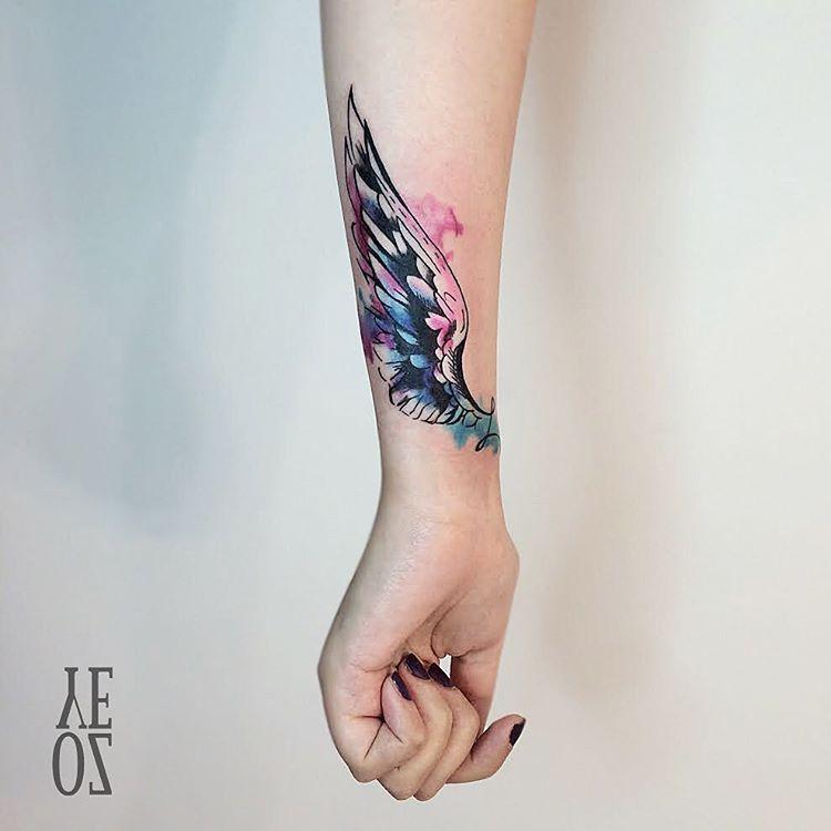 Ala Por Yeliz Ozcan Tatoos Tatuajes De Alas Tatuajes De Plumas