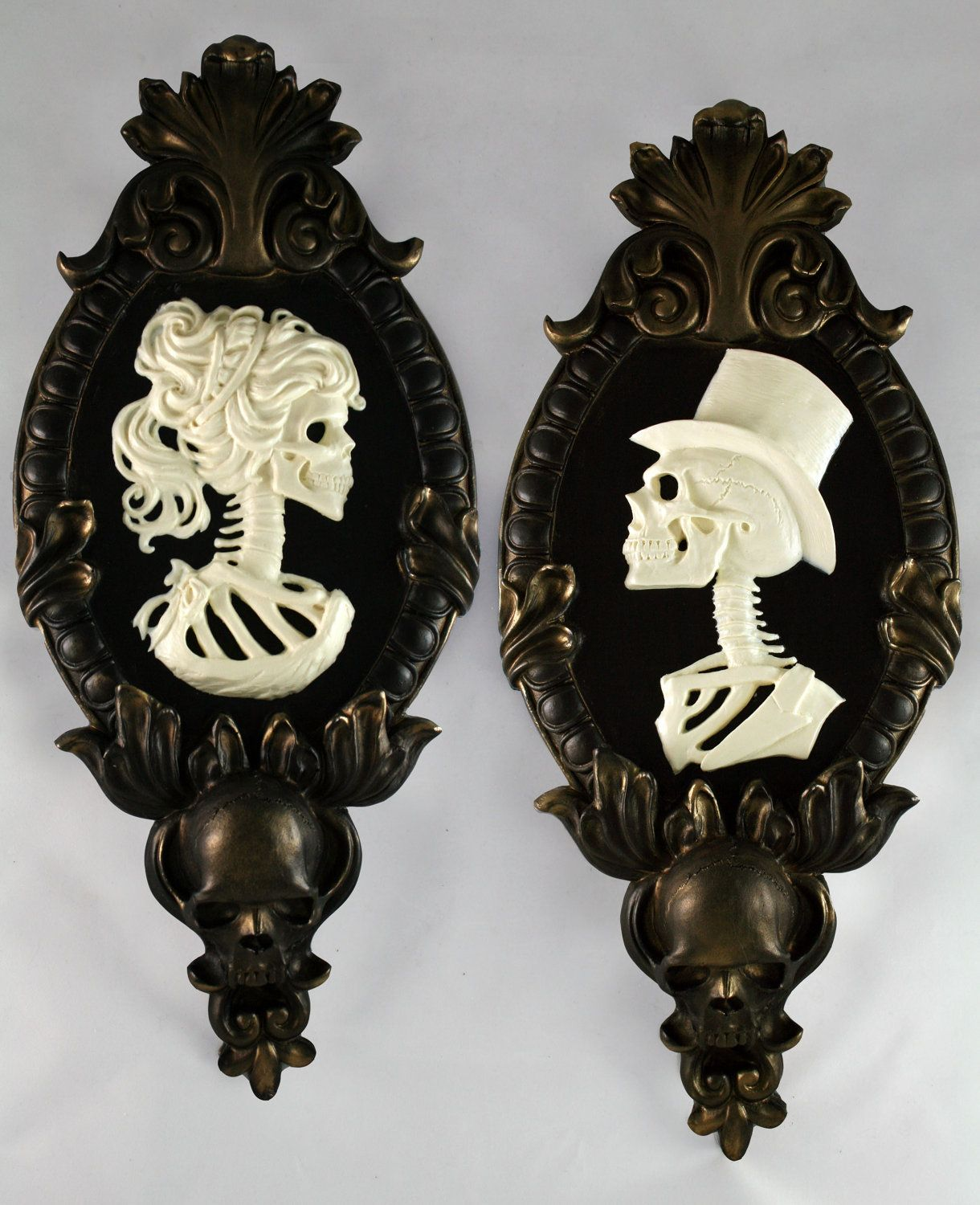 Exceptional Gothic Victorian Lady Skeleton Cameo Bone White In Gold Tone Frame