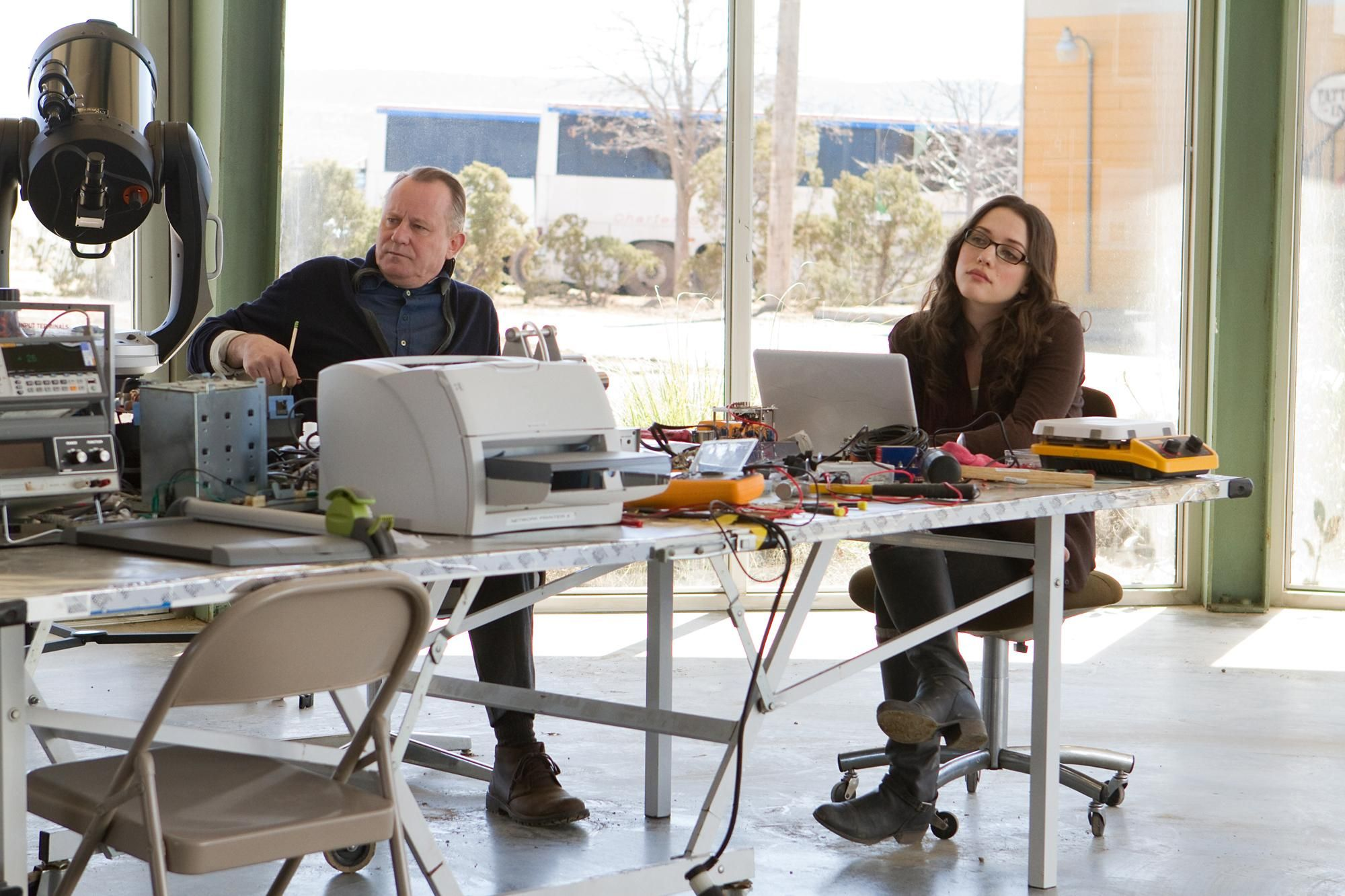 Still of Stellan Skarsgård and Kat Dennings in Thor (2011) http://www.movpins.com/dHQwODAwMzY5/thor-(2011)/still-761444352