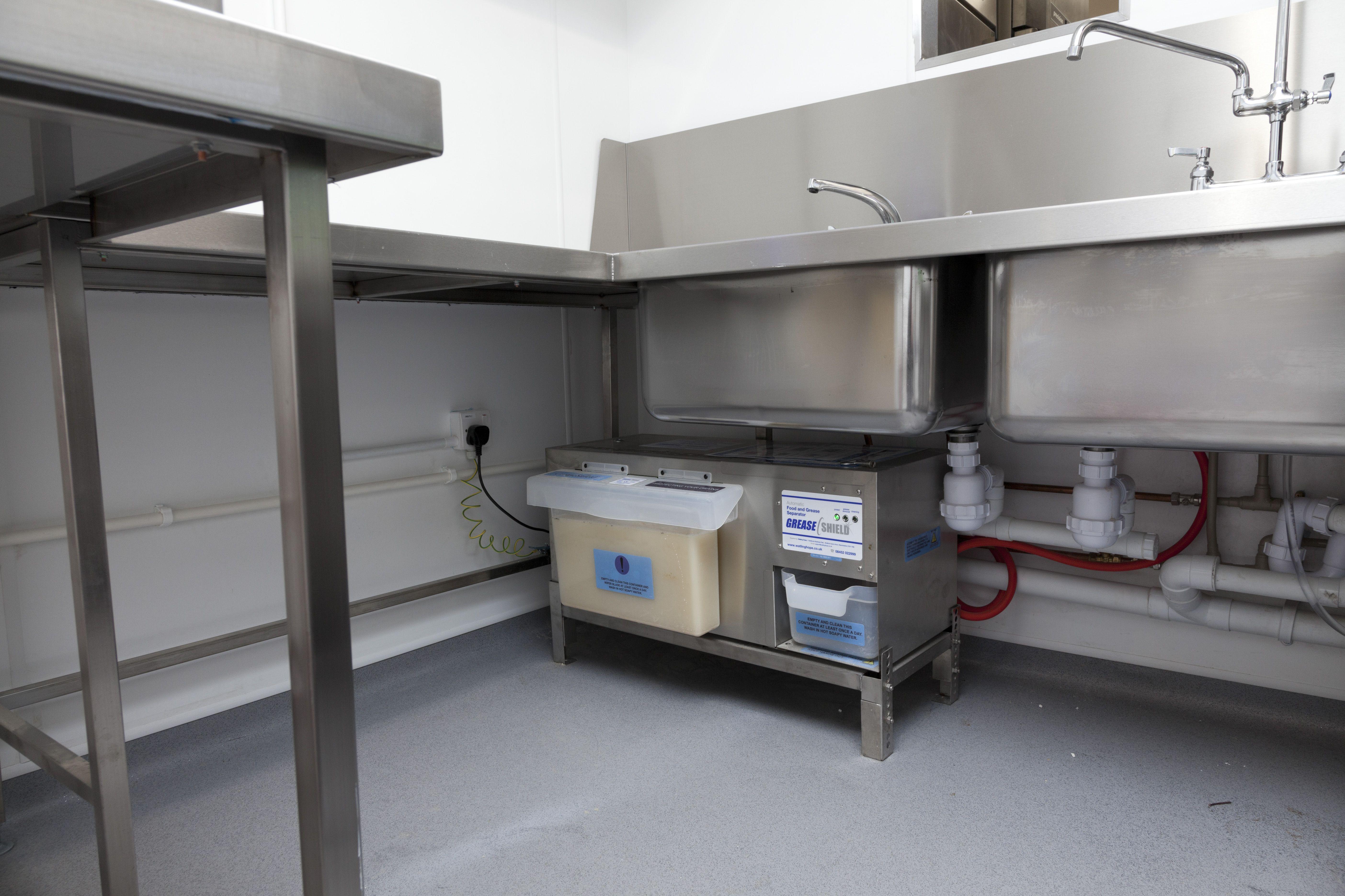 Brasserie Blanc Farnham. Commercial kitchen, Building