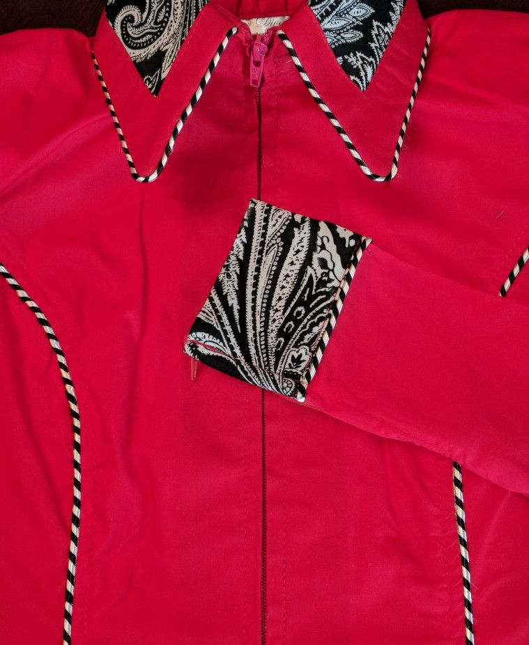 Show Diva Designs Our bright red plain fitted shirt with paisley