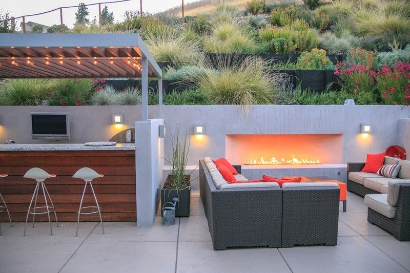 50 id es am nagement paysager avec chemin e ext rieur cheminee exterieur ornemental et gramin es. Black Bedroom Furniture Sets. Home Design Ideas