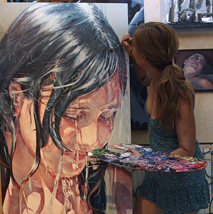 Carmen Mansilla painting in her art studio #workspace