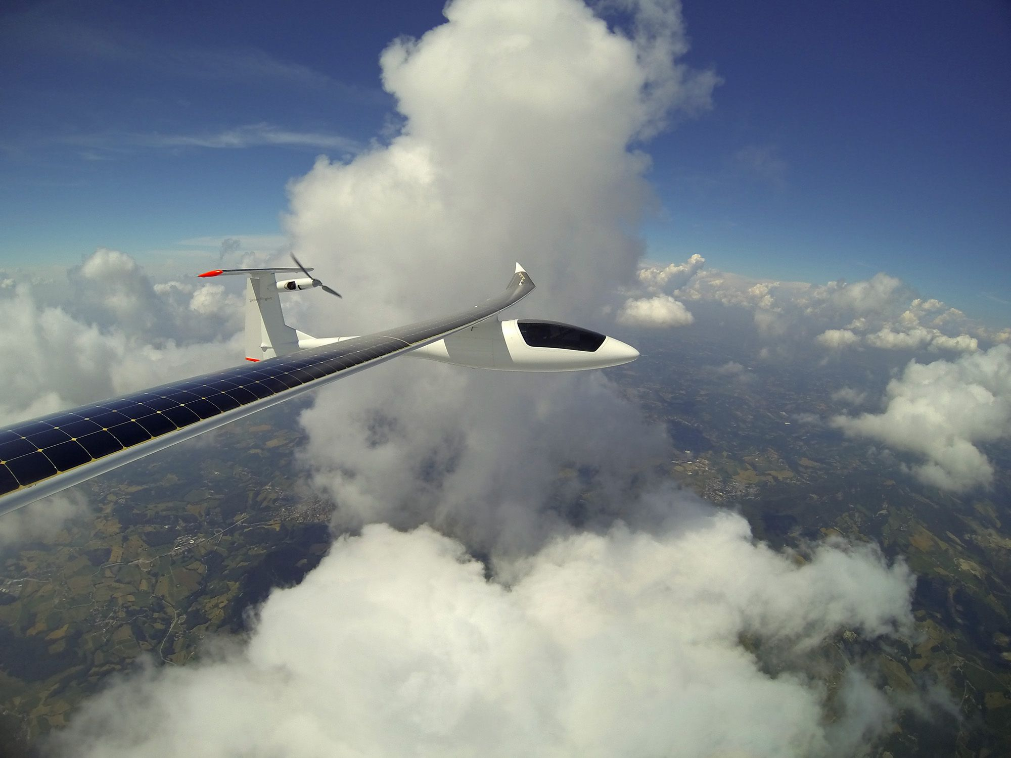 Cruising with the #SunseekerDuo above the clouds, on the way to the Pavullo airport.