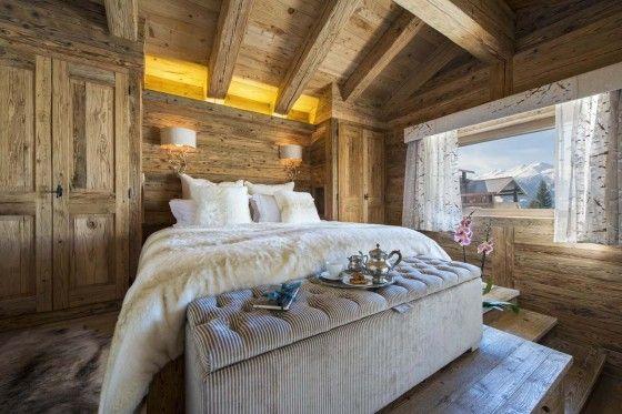 Decoracin rstica de casa de campo construida en madera