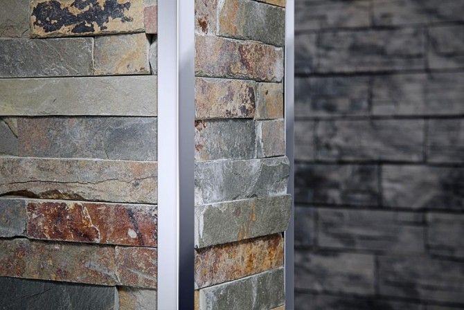 Perfil de acero que jerarquiza el encuentro de  revestimientos de piedra en muros y paredes.