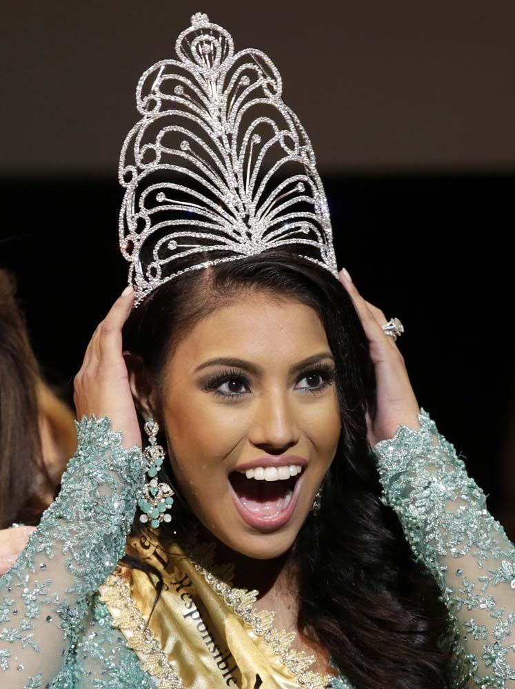 Miss Universe 2015 Ashley Callingbull Burnham #Canada ...