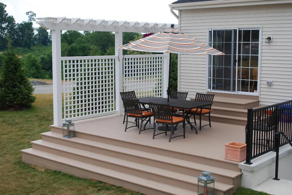 Vinyl outdoor privacy screen azek decking decorative for Outdoor privacy panels for decks