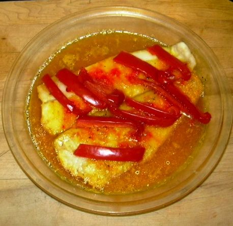 HEALTHY Dinner!!! A bowl of steamed flounder and red pepper slices seasoned with saffron, onion powder, black pepper!