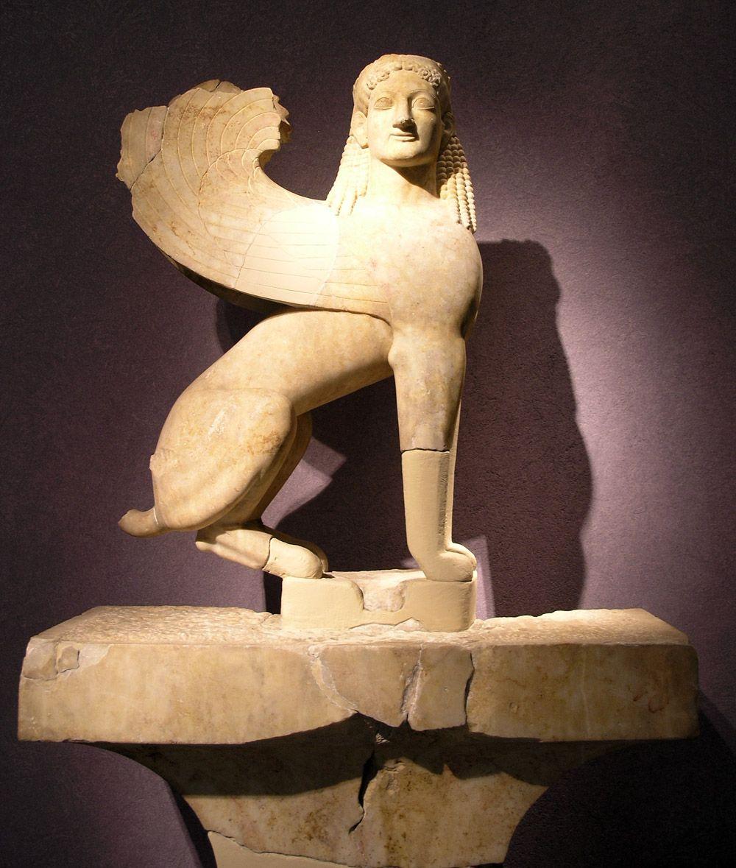 Esfinge de cerámica, estela funeraria (560-550 aC). Atenas, Museo ...