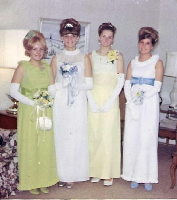 Prom dress 60s style of dress