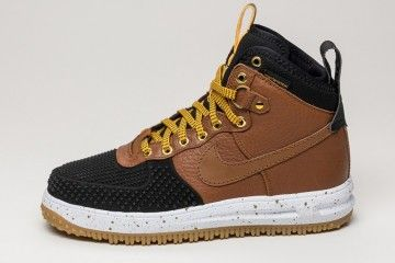 the nike lunar force 1 duckboot light british tan brings a quintessential boot style to the winter w