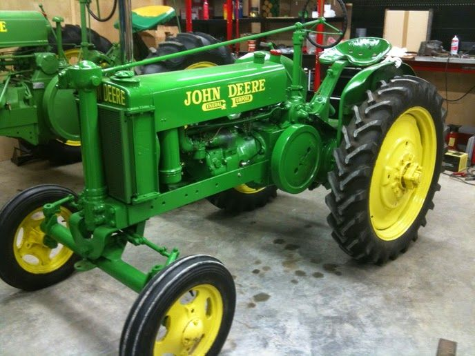 Unstyled John Deere Model H tractor?   John Deere