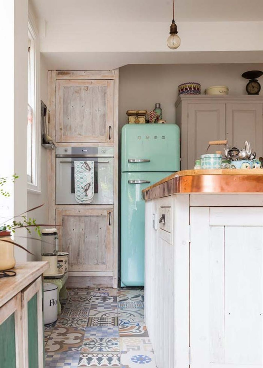45 gorgeous bohemian style kitchen makeover ideas kitchen inspirations chic kitchen home on boho chic home decor kitchen id=30560