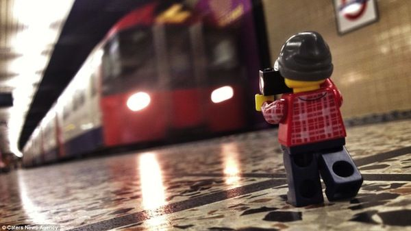 Photographs Of A LEGO Minifig Taking Pictures In London & The UK - DesignTAXI.com