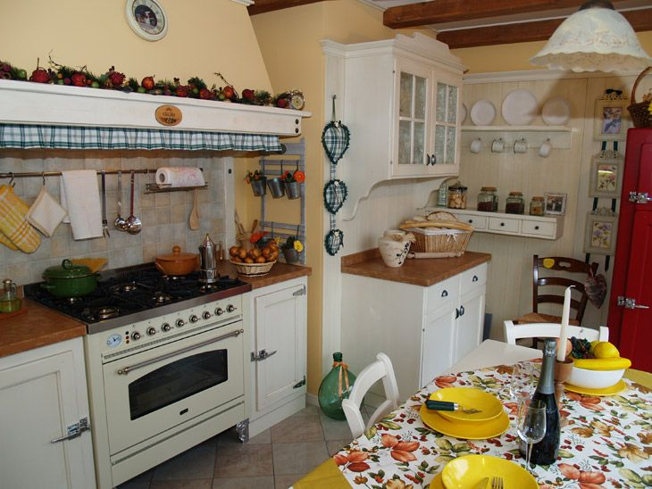 Soggiorno provenzale ~ Bertolini cucine stile country provenzale e moderno