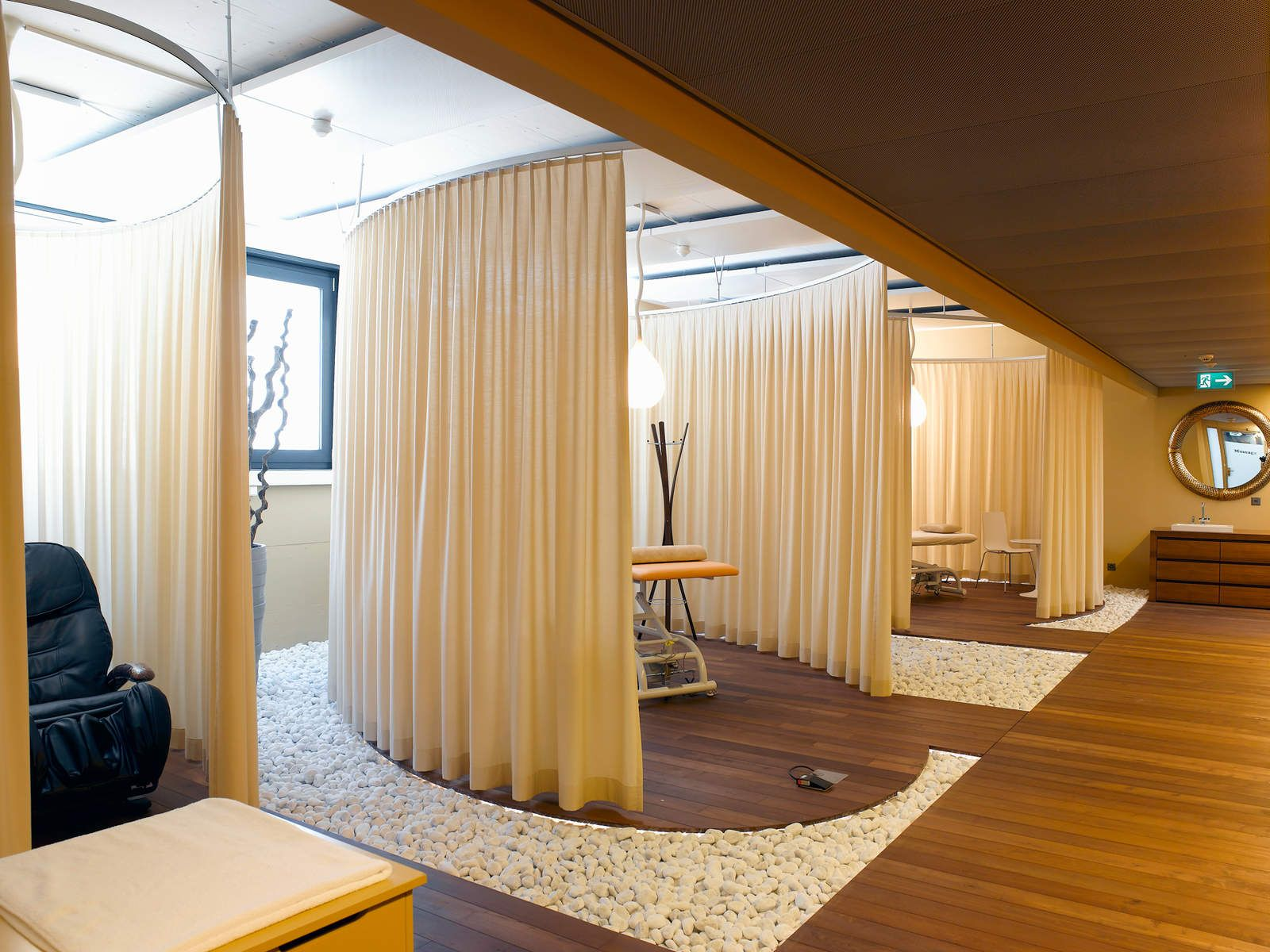 Google Hub Zurich Google Office Evolution Design Camenzind Evolution Interior De Spa Decoracion De Cabina Cabina De Masaje