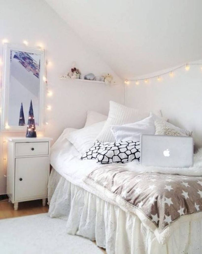 Nice 52 Cozy Teenage Girls Bedroom Ideas with Lights. More at ://trendecor.co/2017/09/16/52-cozy-teenage-girls-bedroom-ideas-lights/ & 52 Cozy Teenage Girls Bedroom Ideas with Lights | Pinterest | Cozy ...