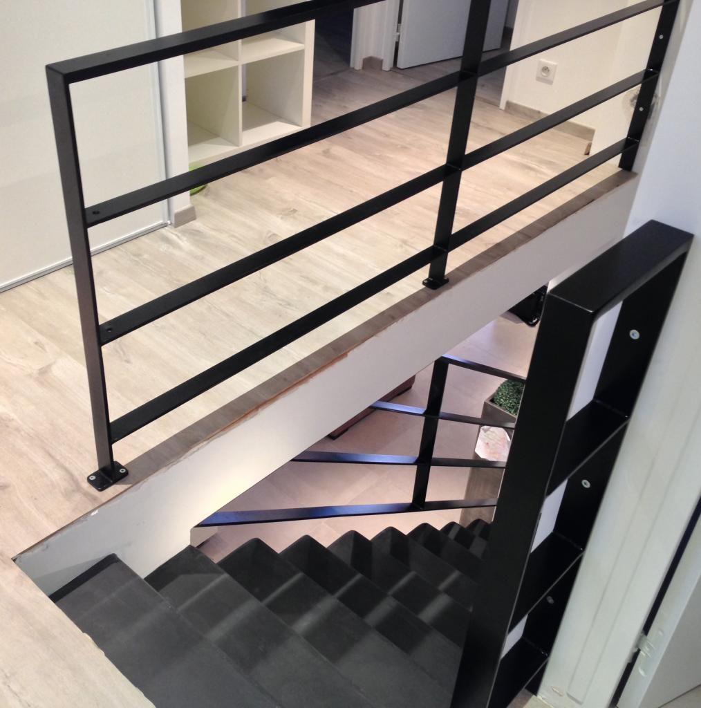 garde corps en plats acier art m tal concept furniture. Black Bedroom Furniture Sets. Home Design Ideas