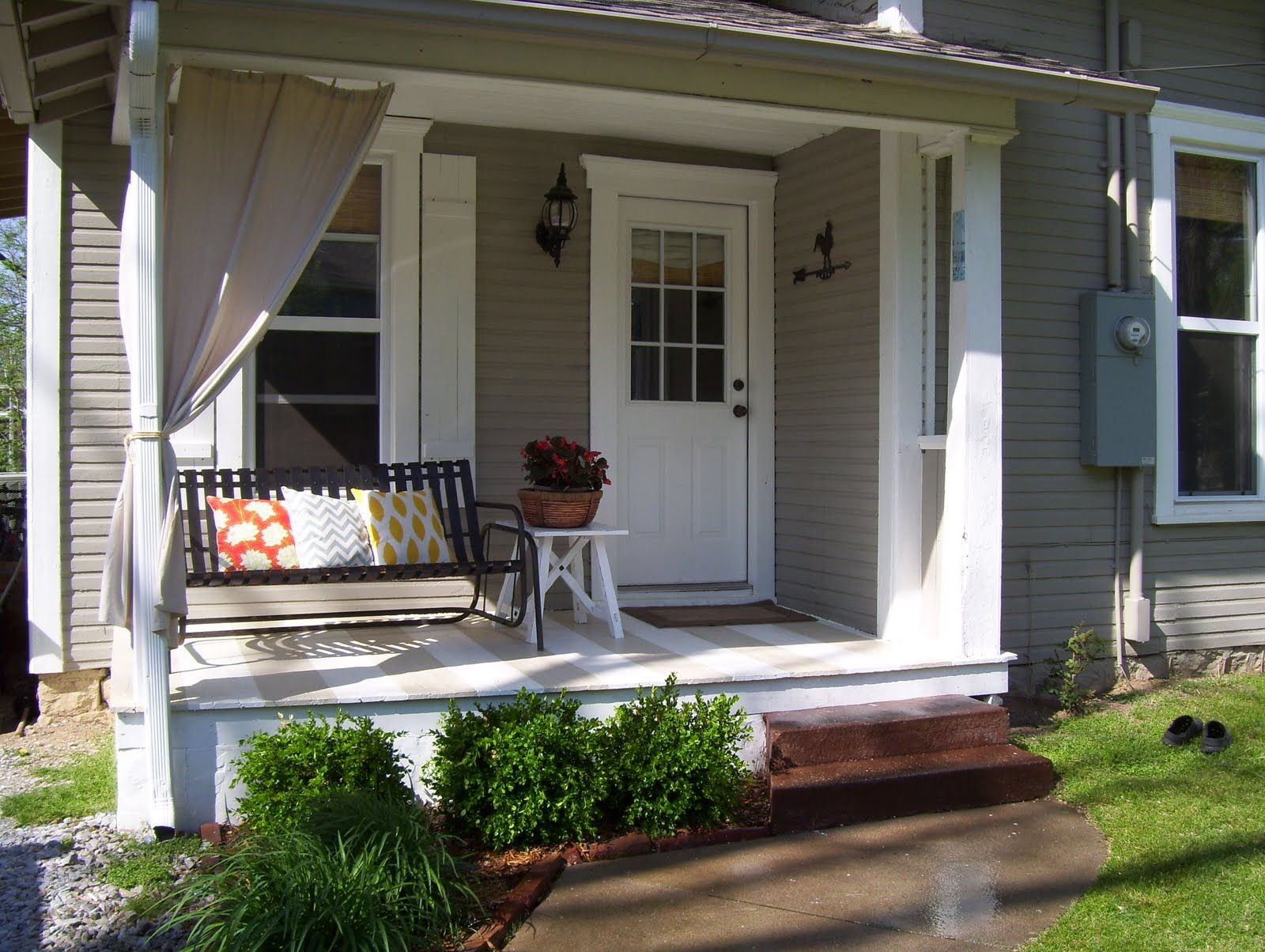 Ordinary Porch Ideas For Small Homes Part - 2: Sweet House Design Exterior Front Porch Ideas For Small Houses With Iron  Banister Stairs Added Concrete