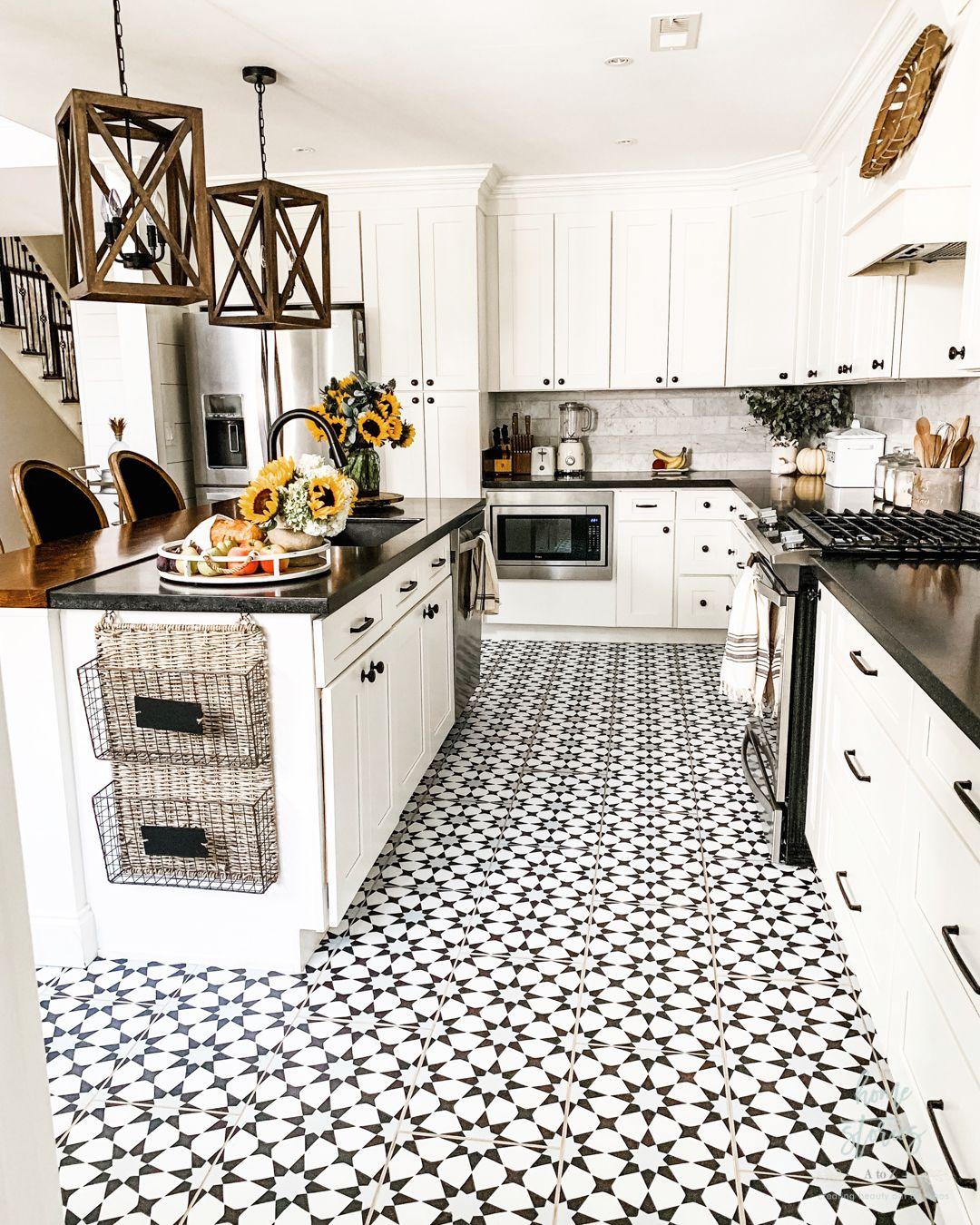 Early Fall Kitchen Decorating Ideas Sunflowers & Hydrangeas in ...