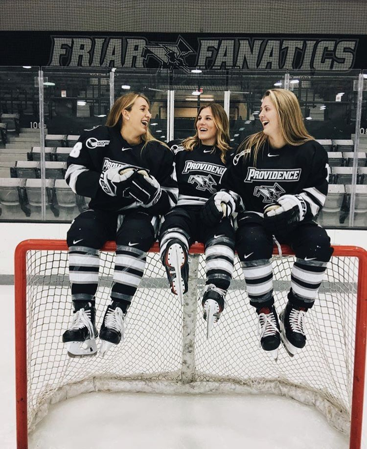 Pin By Sarah Downes On Friends Hockey Girls Hockey Team Photos Hockey Pictures