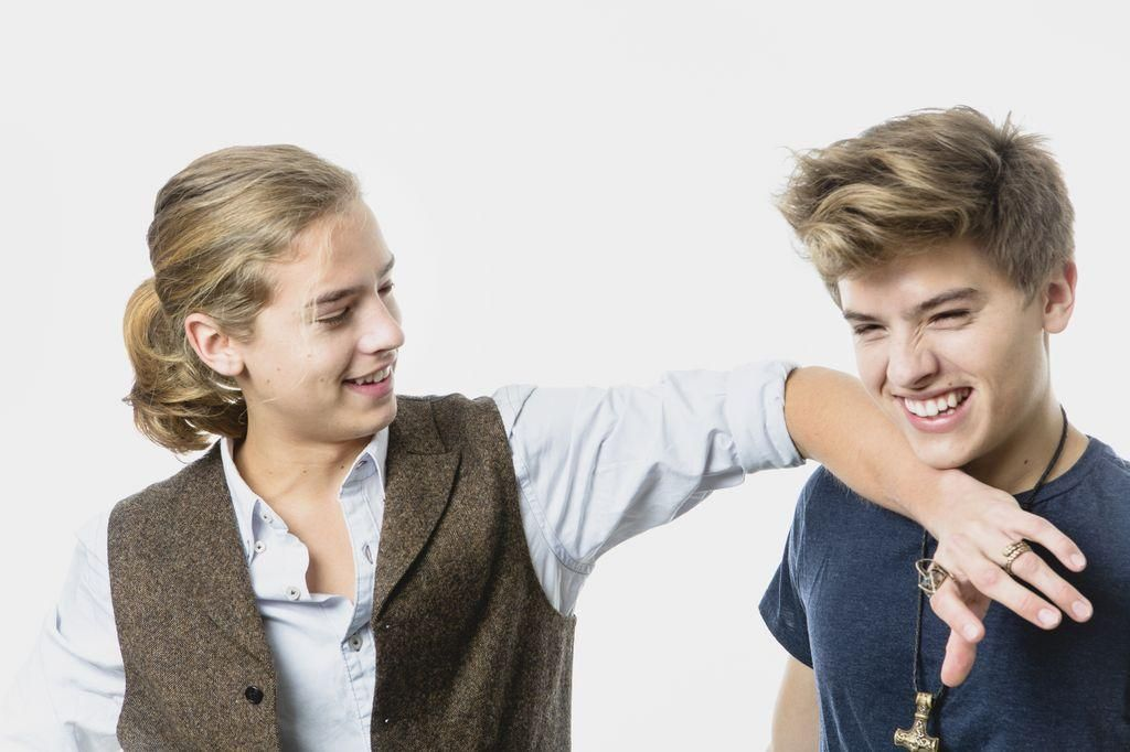 Dylan And Cole Dylan Sprouse Dylan E Cole Zack E Cody