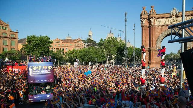 Celebration FC Barcelona 2015 Trebol