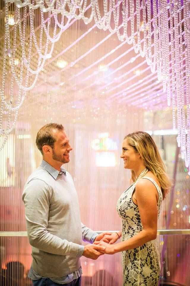 Chandelier Bar Cosmopolitan In Las Vegas Top Wedding Photos Wedding Photos Couple Photos
