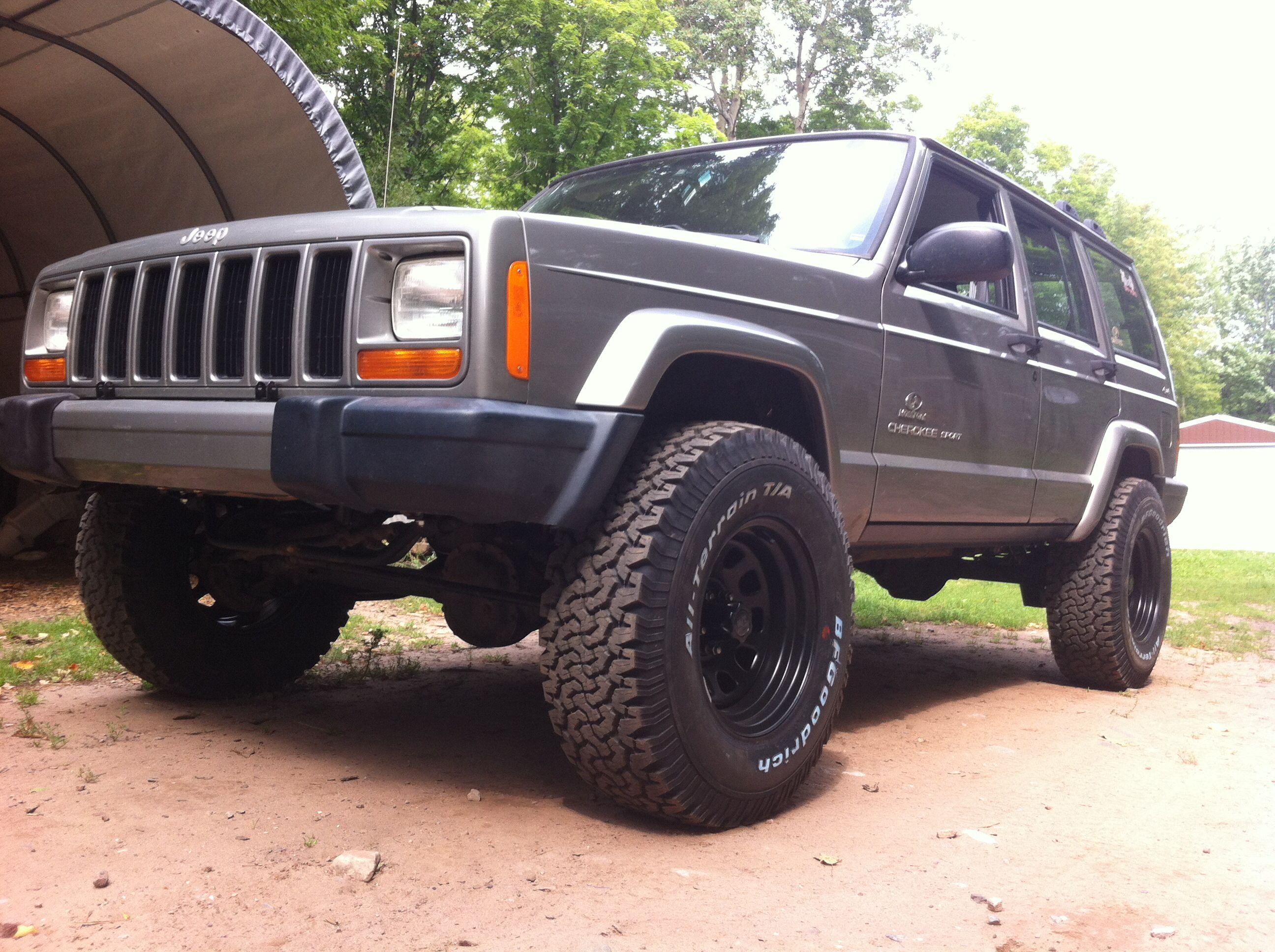 Clean Looks Like 3 And 31s Jeep Cherokee Jeep Cherokee Xj Jeep Xj