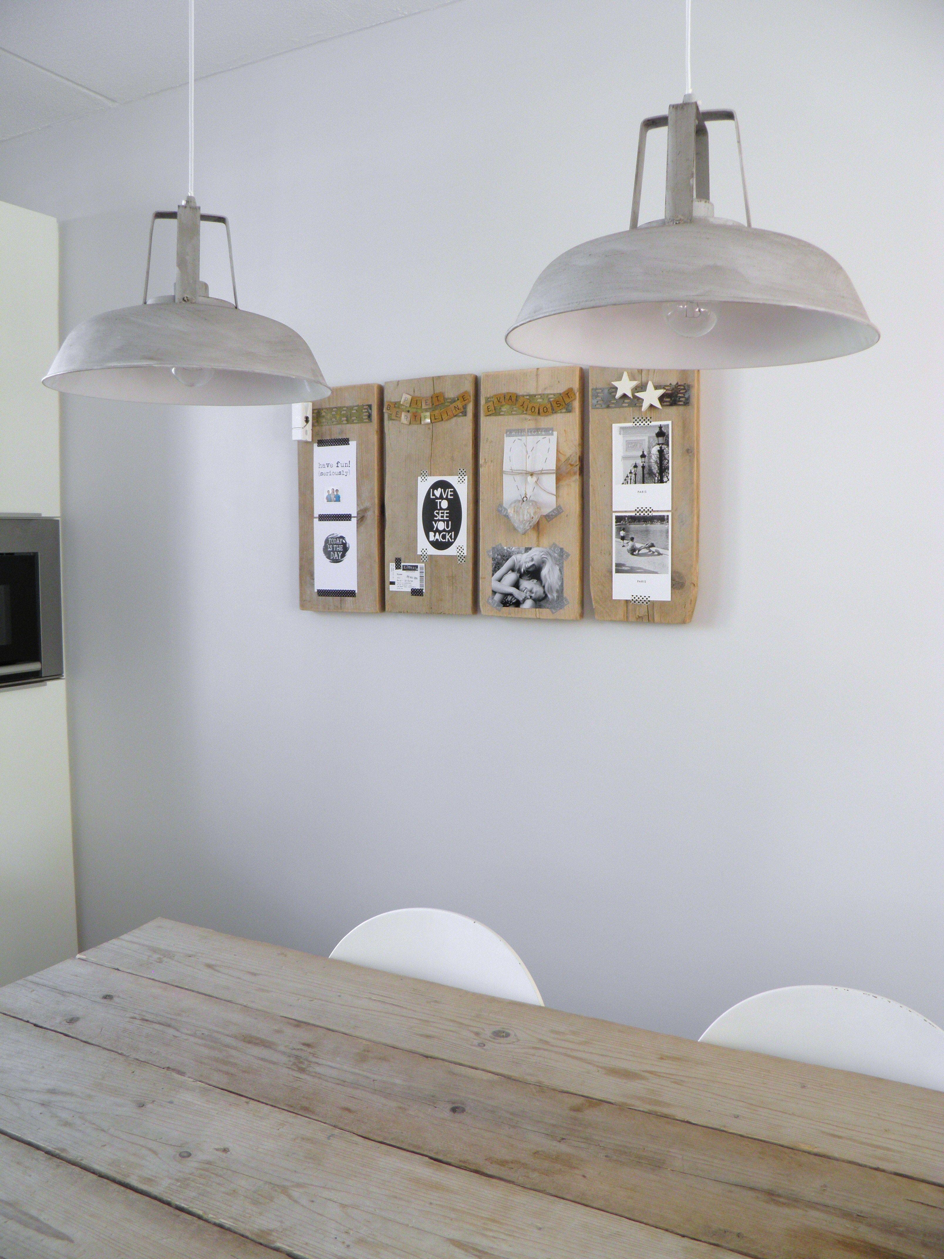 Magneet borden van de ikea met palethout als lijst for Lijst inrichting huis