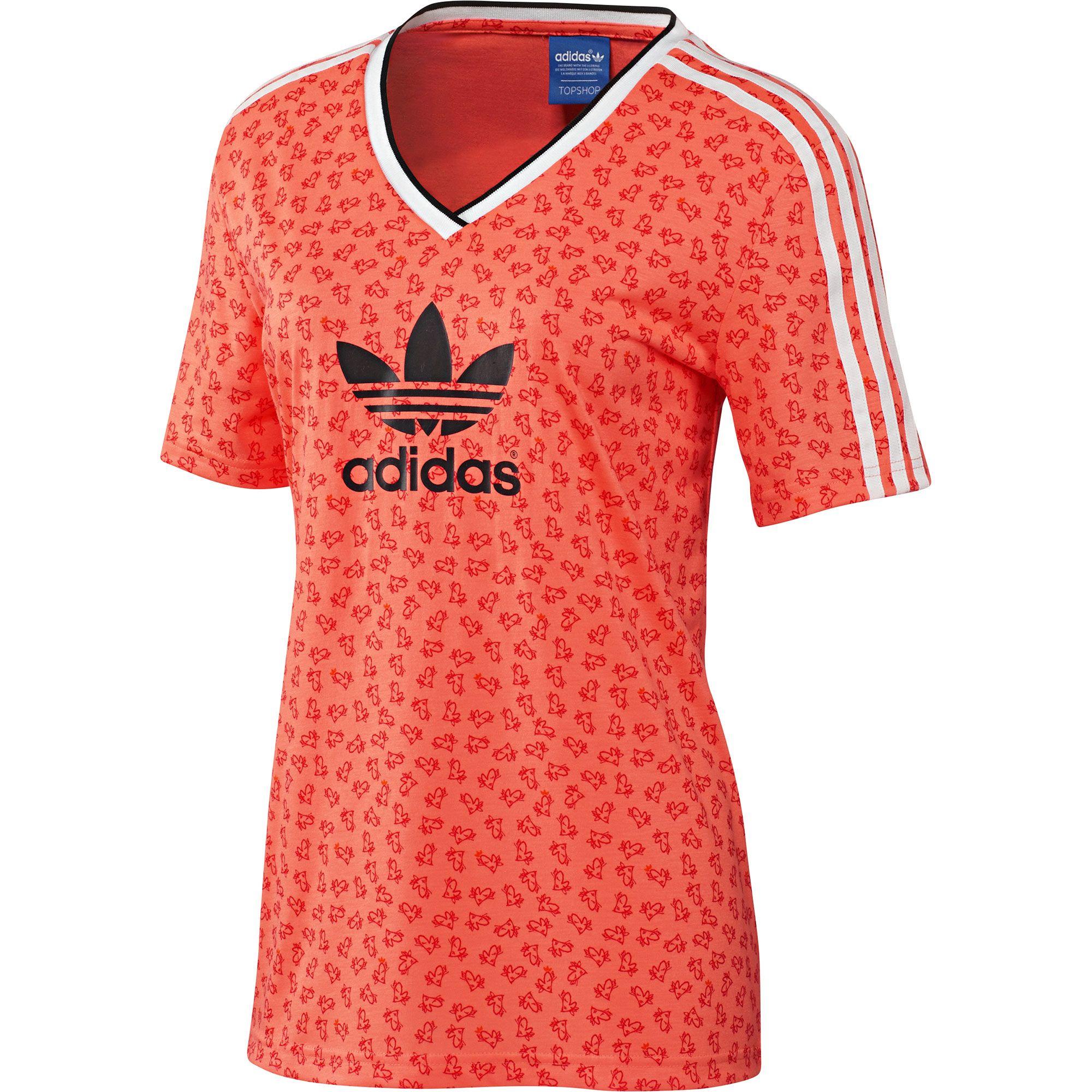 6f77be3d9a89b adidas x Topshop Camiseta de fútbol con cuello de pico adidas ...