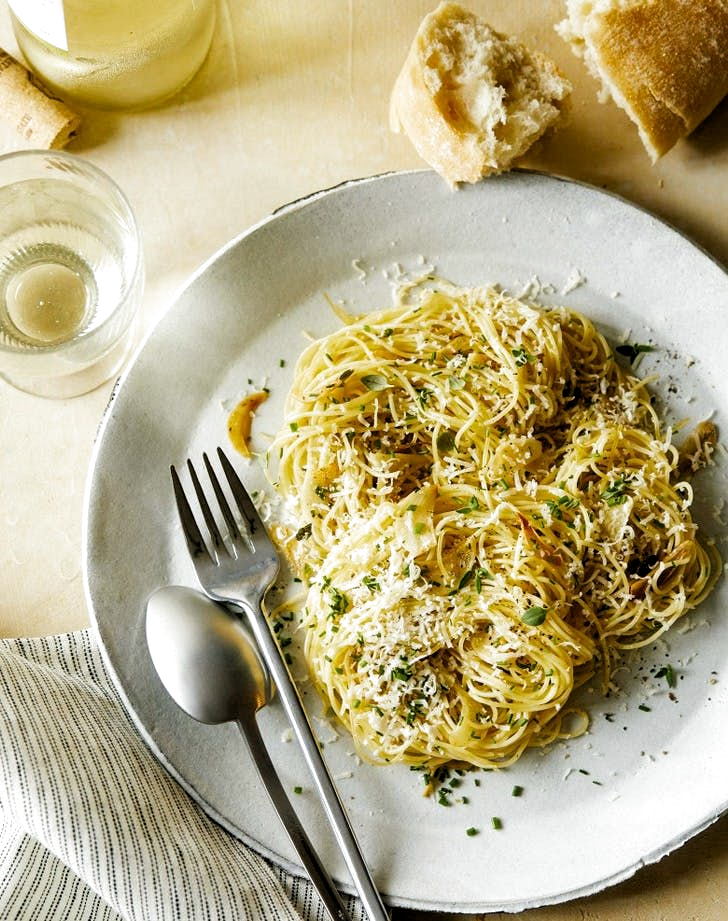 15 Angel Hair Pasta Recipes You?ve Never Tried #purewow #food #lunch #pasta #fast #recipe #main course #cooking #dinner #easy #garlic