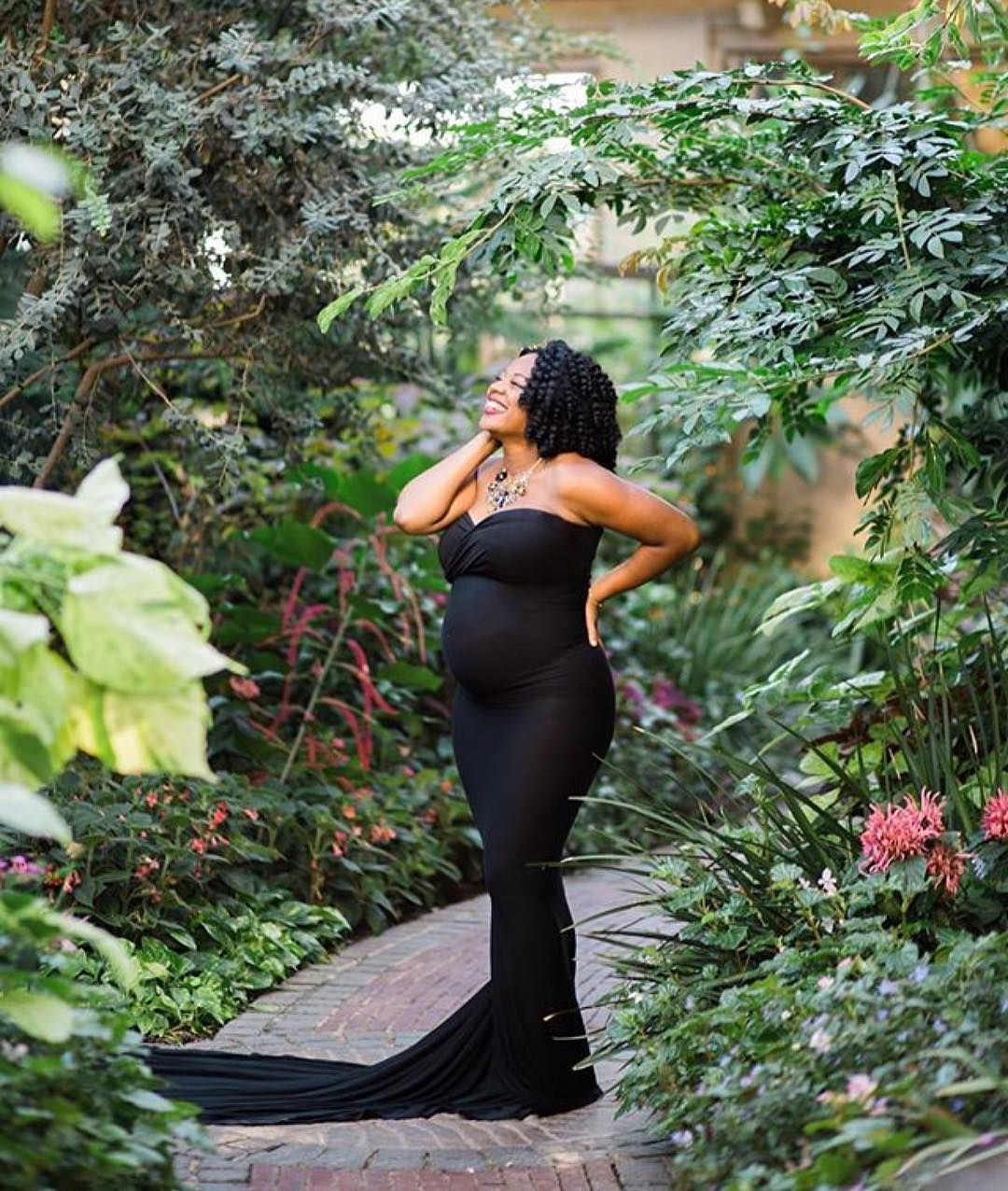 Want more follow me keepinitkurly maternity photos for African photoshoot ideas