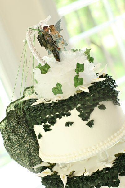 Army Wedding Cake Can I Get It Without The Weird Fairy Army