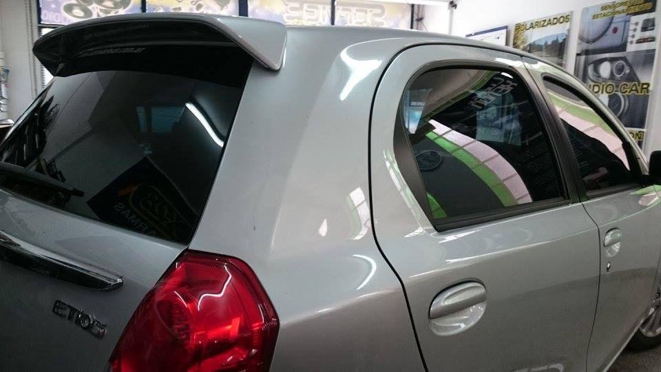 Polarizado Toyota Etios Por Grupo Treffen Car Door Vehicles Doors