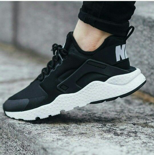 Nike wmns air huarache run ultra - black/white