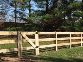 4 3 Board Kentucky Post And Board Fence Backyard Fences Farm Fence Rustic Fence