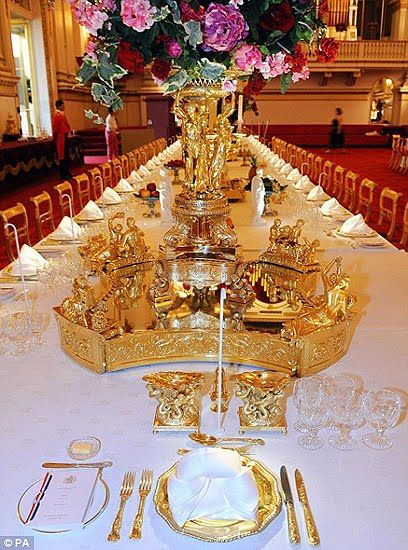 The Royal Wedding Essential Etiquette For Dinner Guests At Buckingham Palace Buckingham Palace Royal Table Banquet Tables