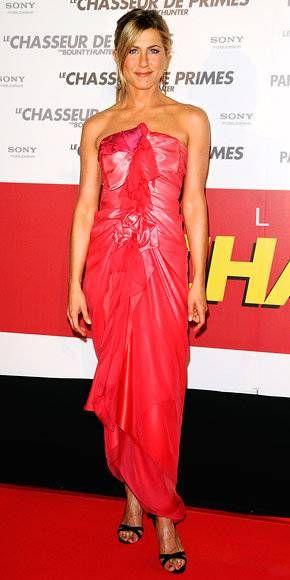 14 Times Jennifer Aniston Chose Not to Wear Her Signature LBD | Jennifer aniston style, Jennifer