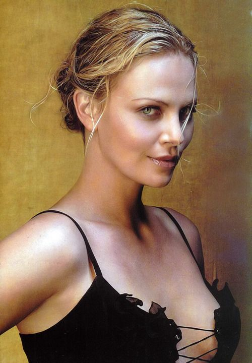 Discover Charlize Theron Body Measurements: Bra Size, Height, Weight,  Dress, Shoe, Cup Size, Eye Color, Birth Date, Zodiac Sign and Statistics  with Photos.