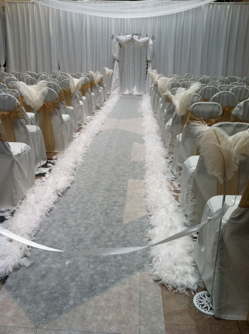 Heavenly All White Ceremony Feather Aisle
