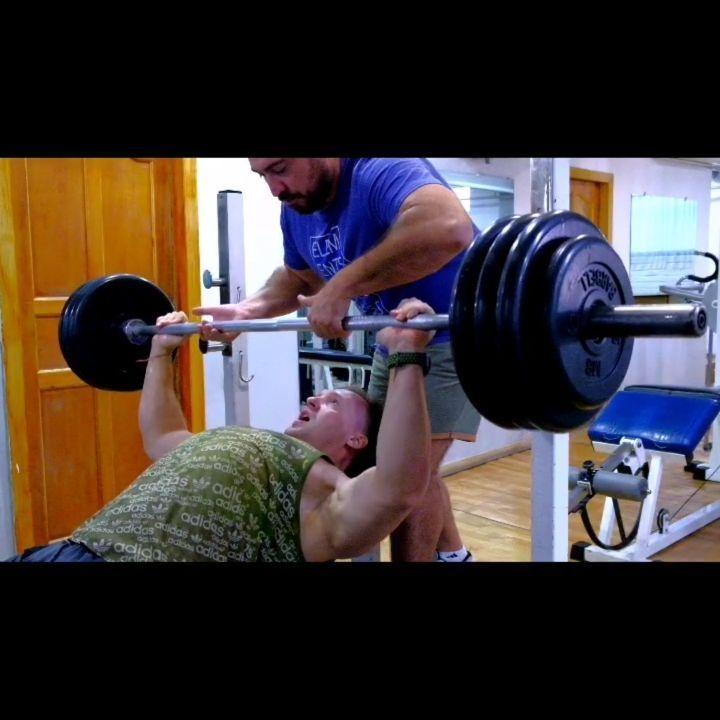 Жим штанги лёжа на наклонной скамье. 160 кг.  #strong #powerful #heavy #fit #stronger #fitness #flex...
