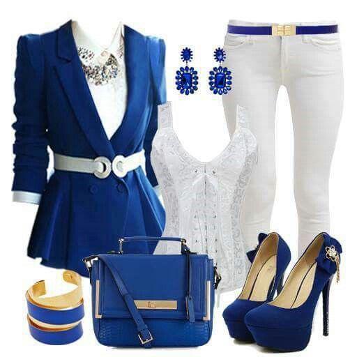 Outfit en blanco-azul. Bonito.