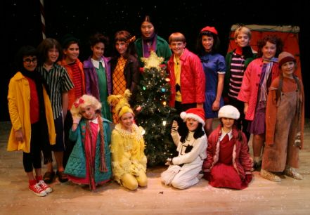 Charlie Brown christmas stage costumes | National Youth Theatre - Reviews  sc 1 st  Pinterest & Charlie Brown christmas stage costumes | National Youth Theatre ...
