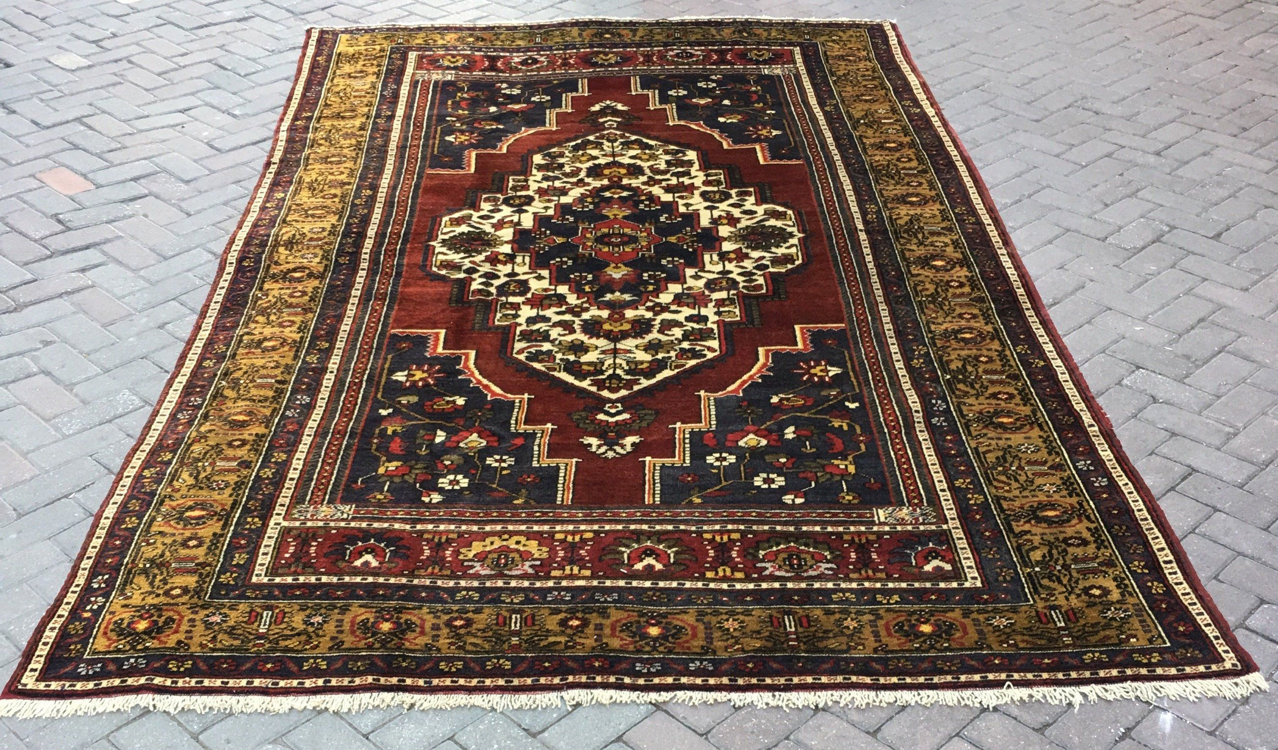 Pin On Beautiful Carpets And Rugs
